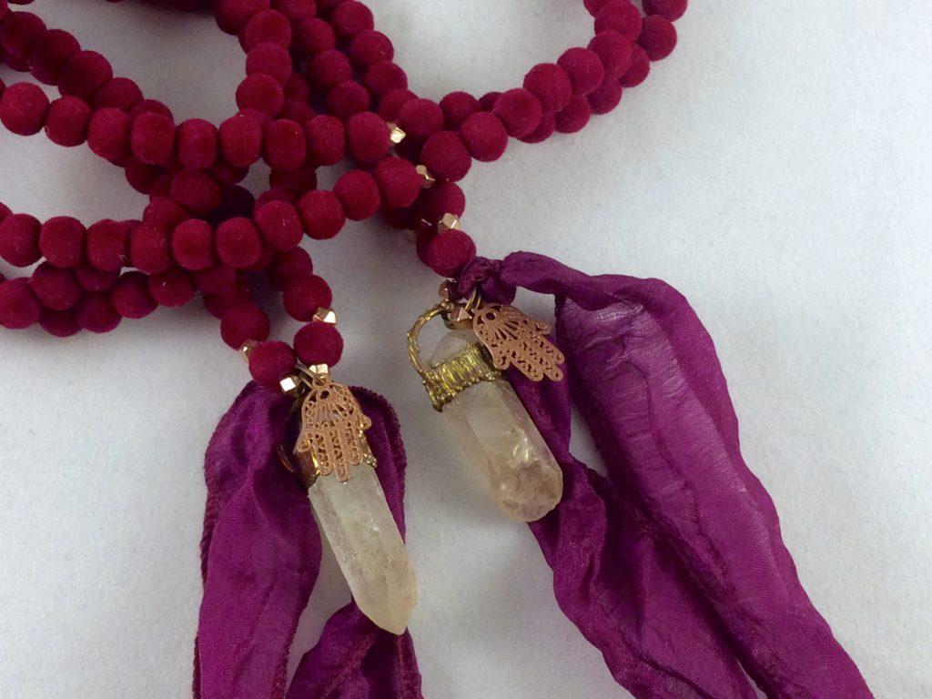 Velvet ketting met angelauraquartz rood